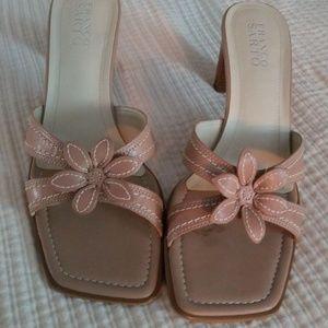 Nearly new Franco Sarto flirty and ladies sandal.